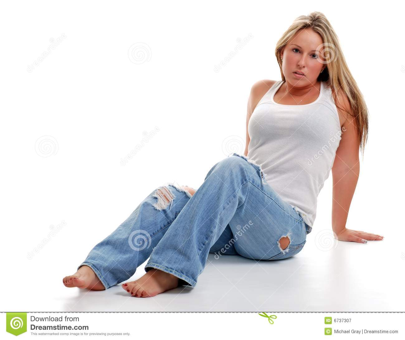Frauen barfuss in jeans