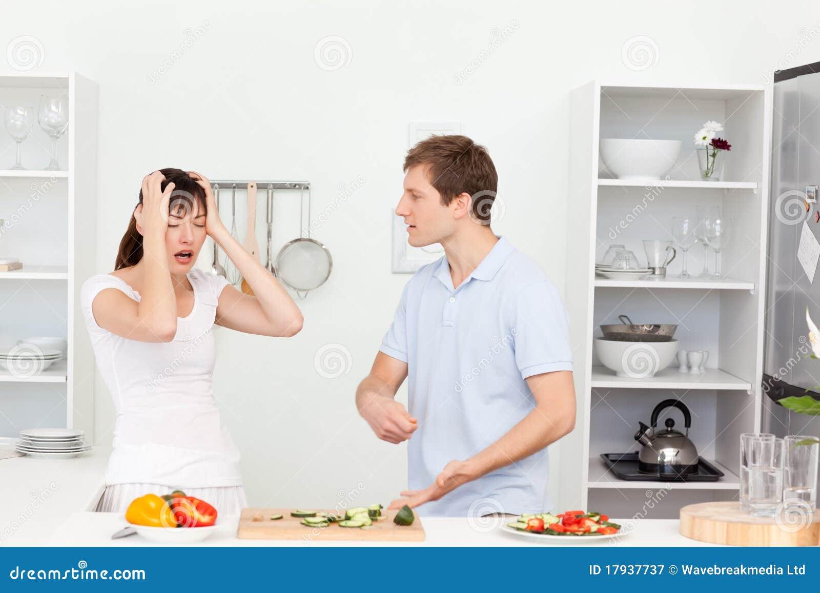 Junge Geliebte, Die Debatte In Der Küche Haben Stockbild - Bild von ...
