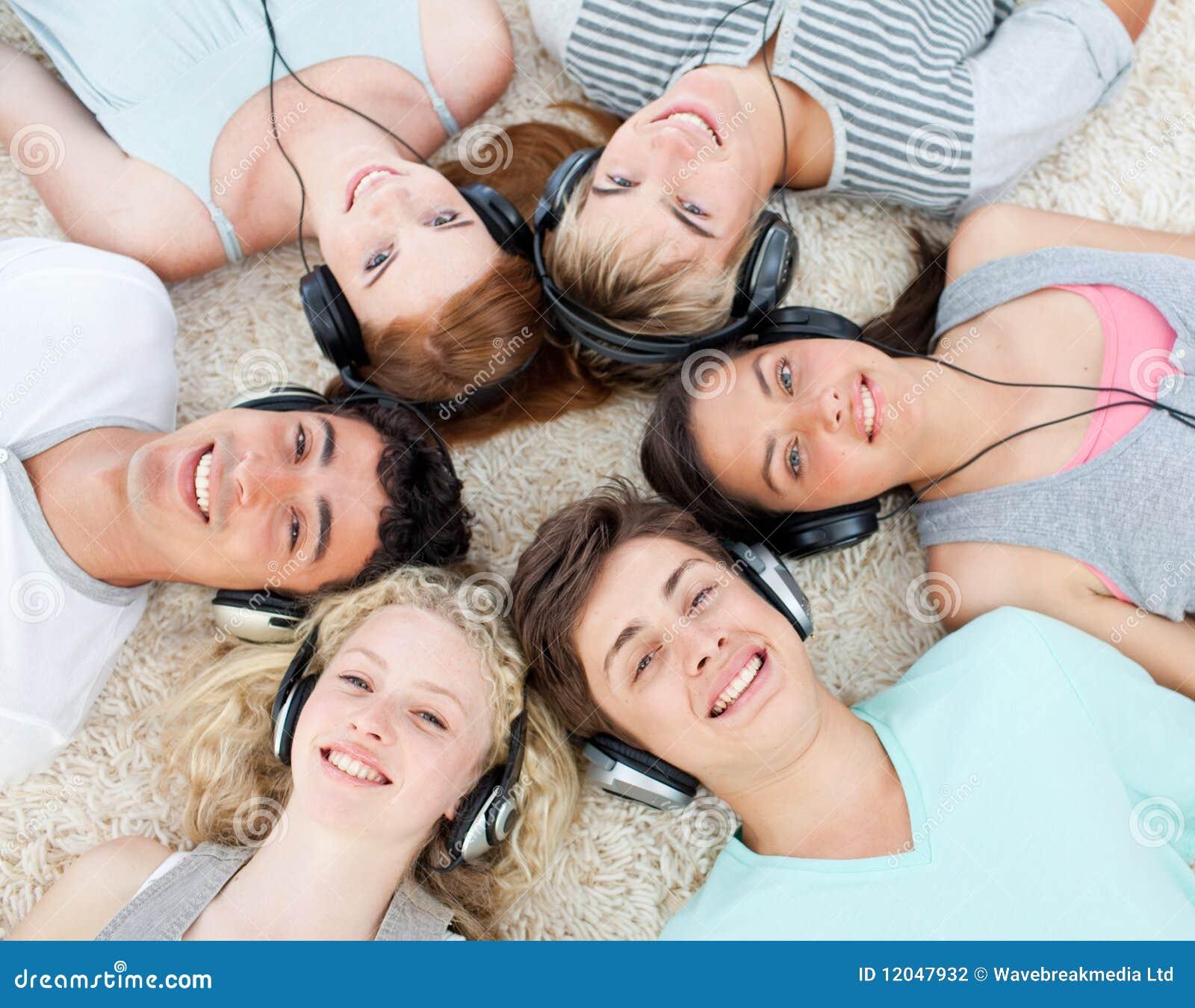 Jugendliche nackt im Netz - smiley-evde