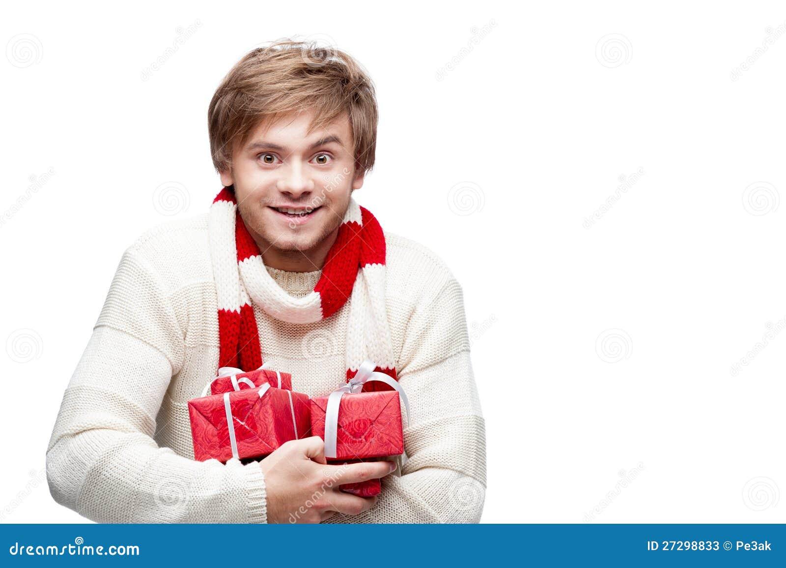 Junge Lächelnde Mannholding-Weihnachtsgeschenke Stockbild - Bild von ...