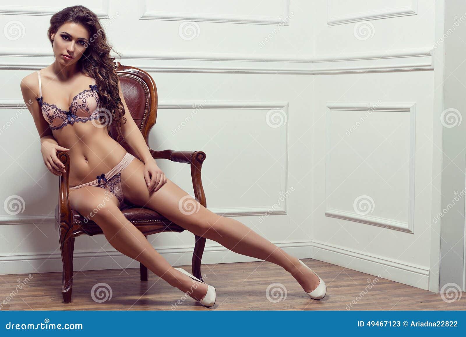 Frau In Der Wsche Porno-Bilder, Sex Fotos, XXX Bilder