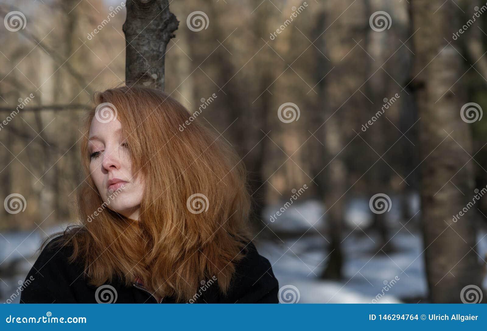 Schwanzlutschende Hure Mit Rotem Haar