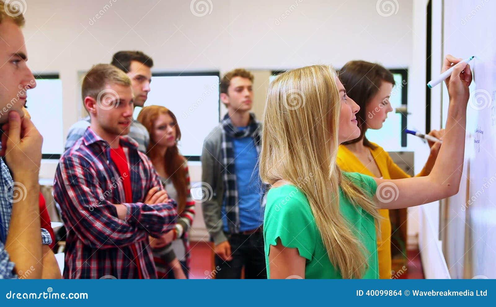 Berühmt Nimmt Proben Für Studenten Wieder Auf Zeitgenössisch ...