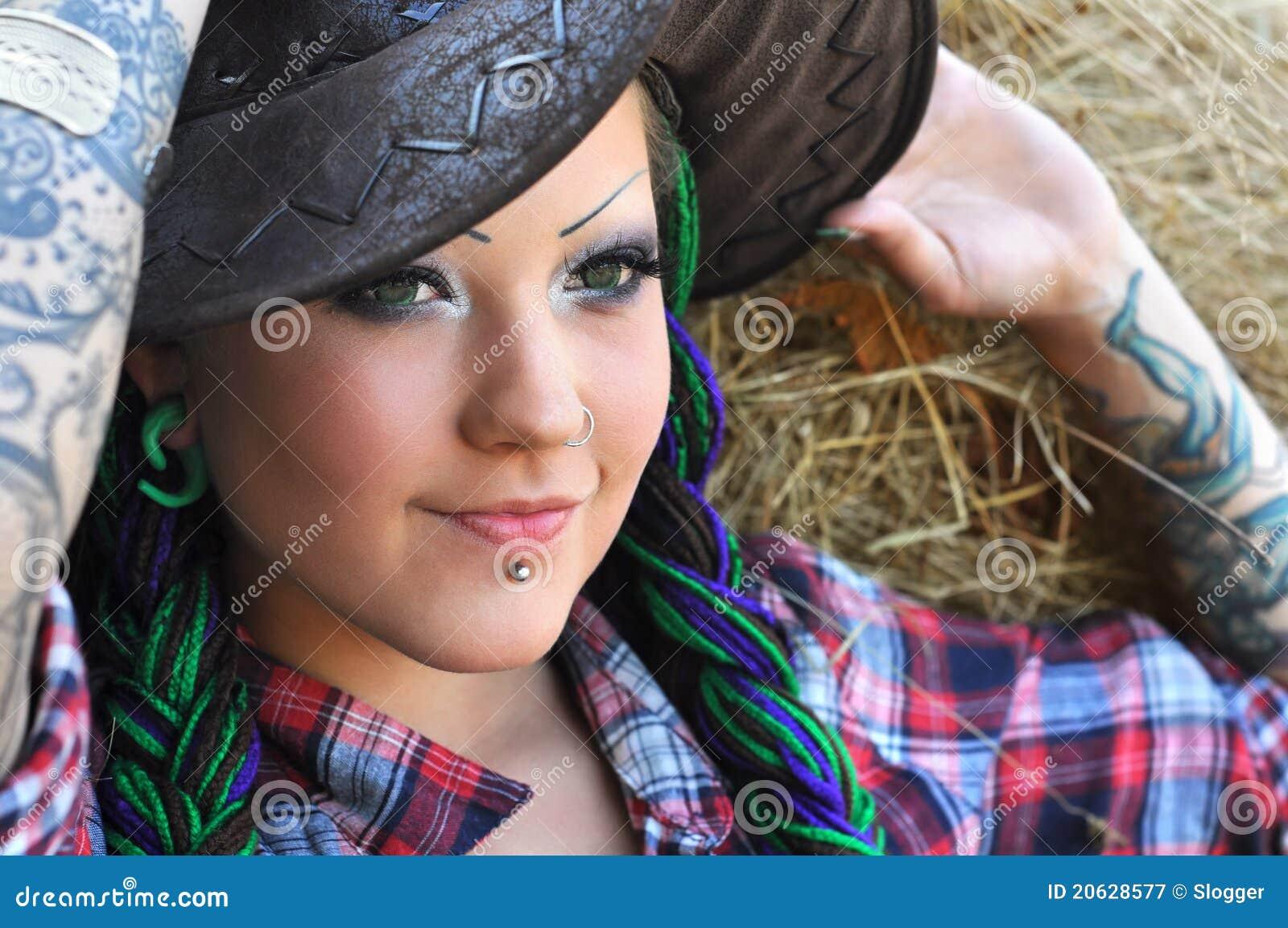 Tattoowierte Frau