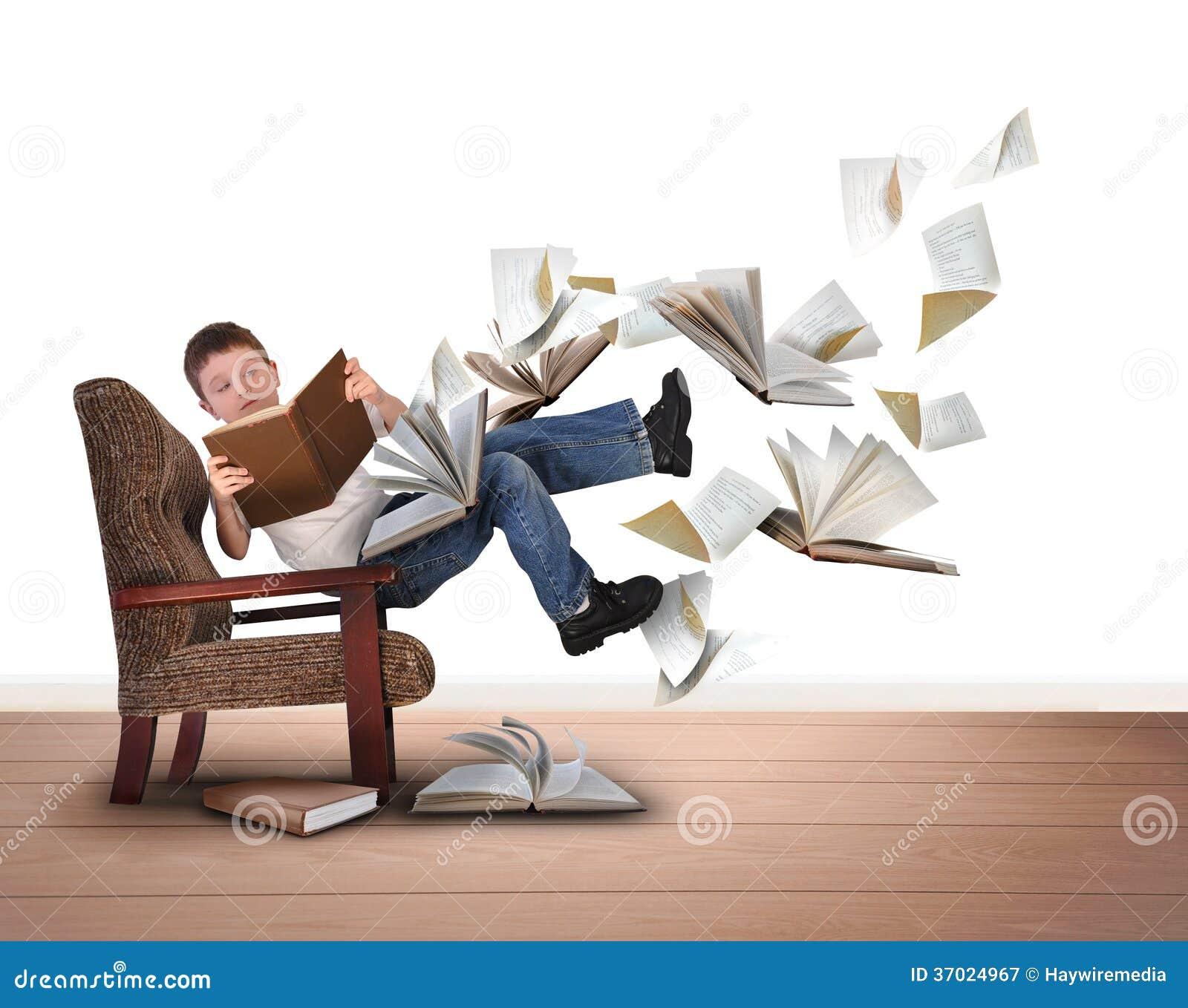 Jungen Lesefliegen Bücher Im Stuhl Auf Weiß Stockbild Bild Von