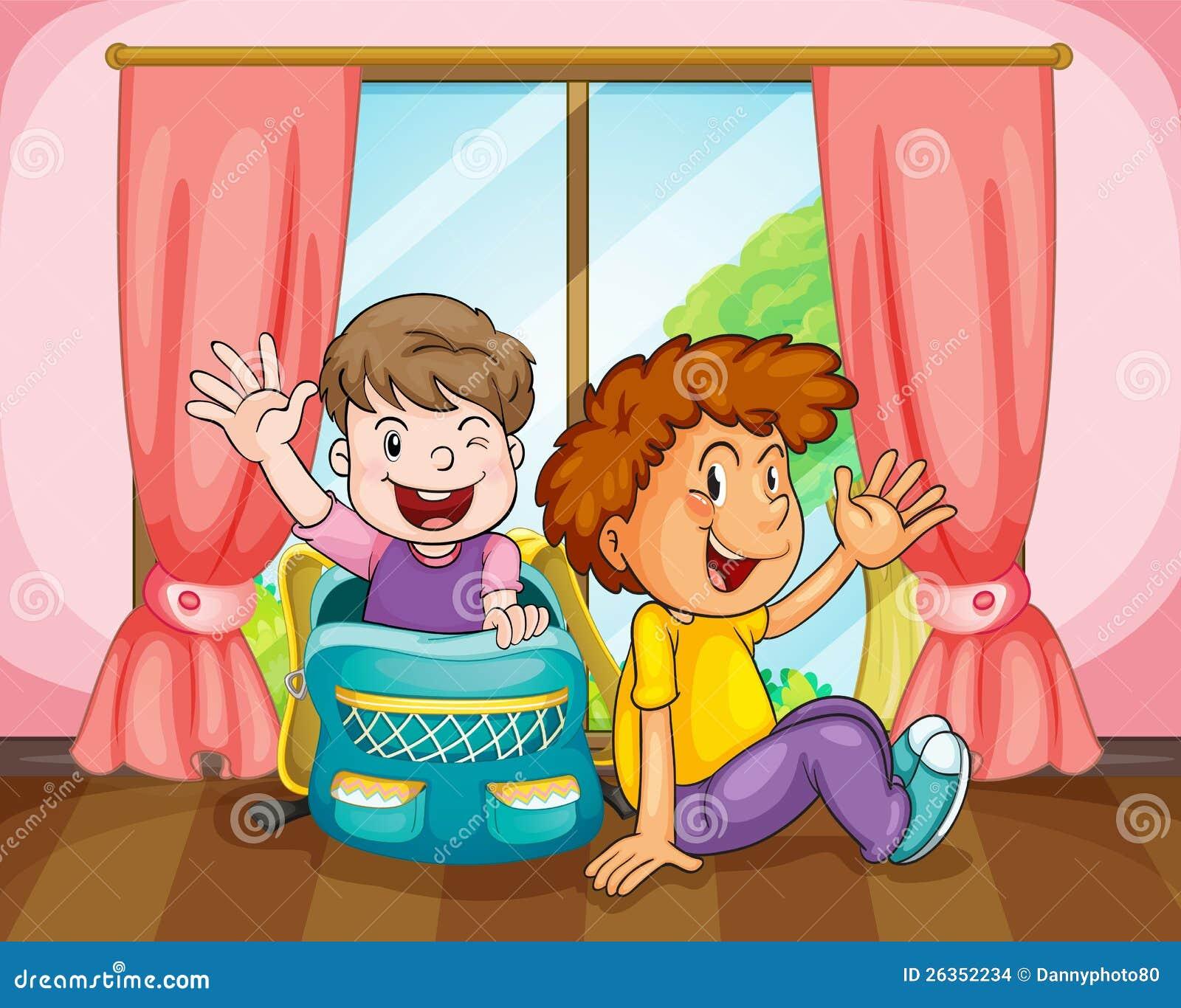 Jungen nähern sich Fenster