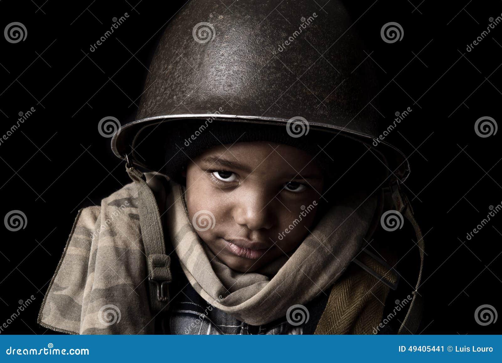 Download Jungensoldat stockbild. Bild von traurig, wenig, klein - 49405441