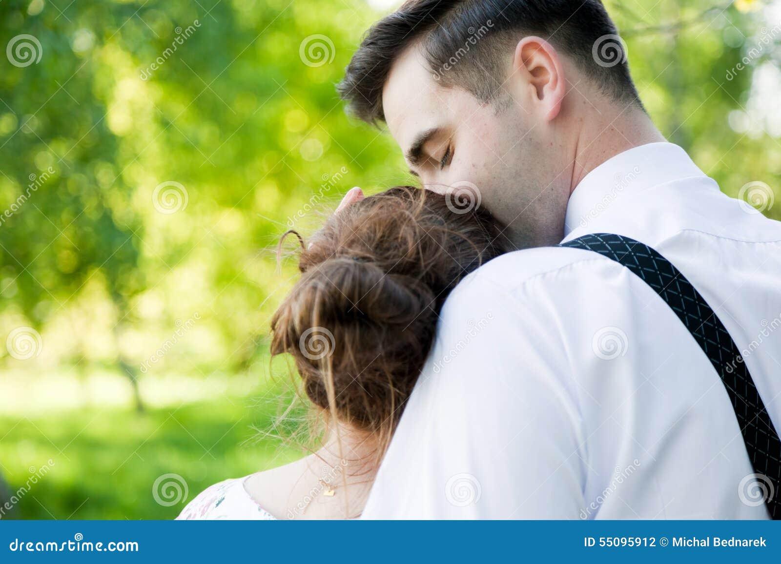 12 Küsse datieren
