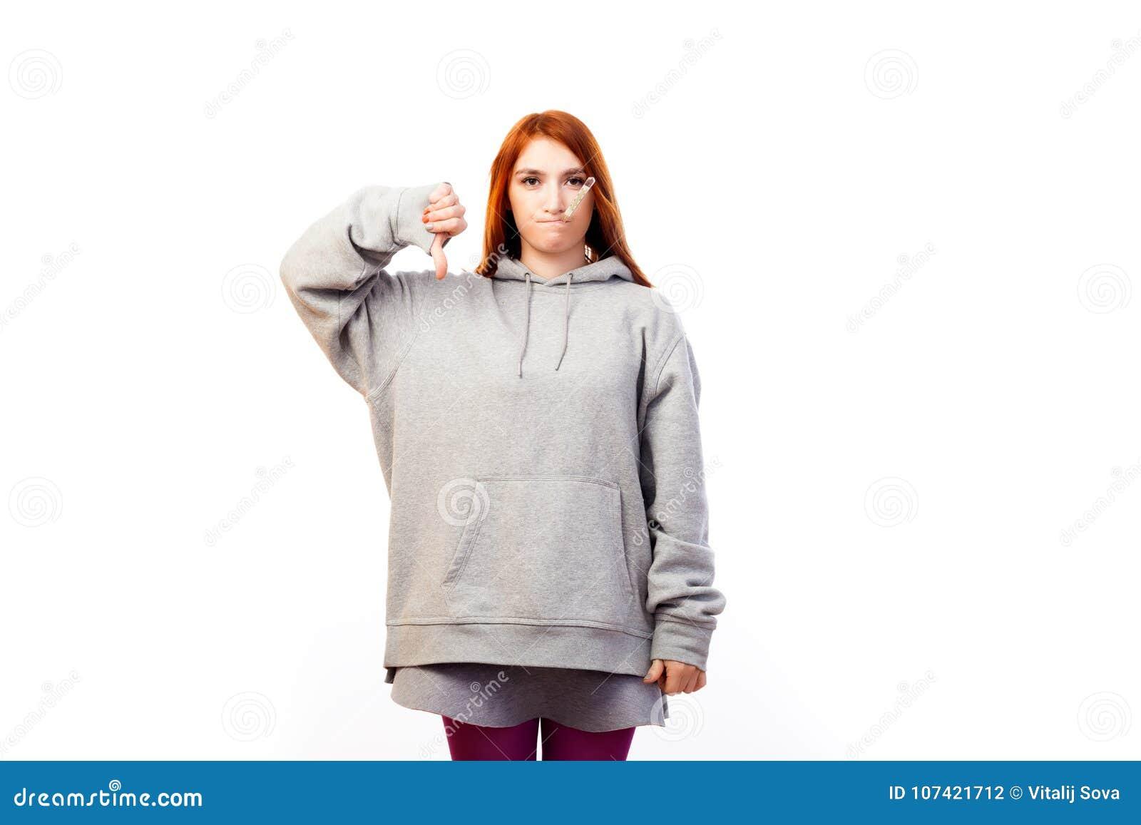 Junger rothaariger Frauenkranker