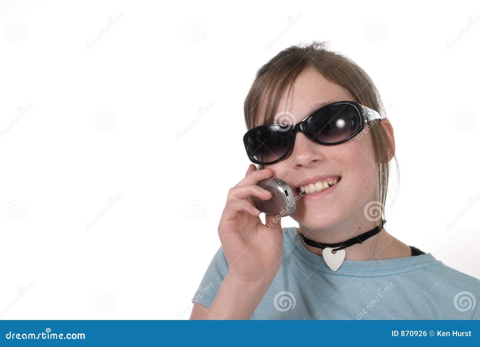 Junges jugendlich-Mädchen mit Mobiltelefon 7a