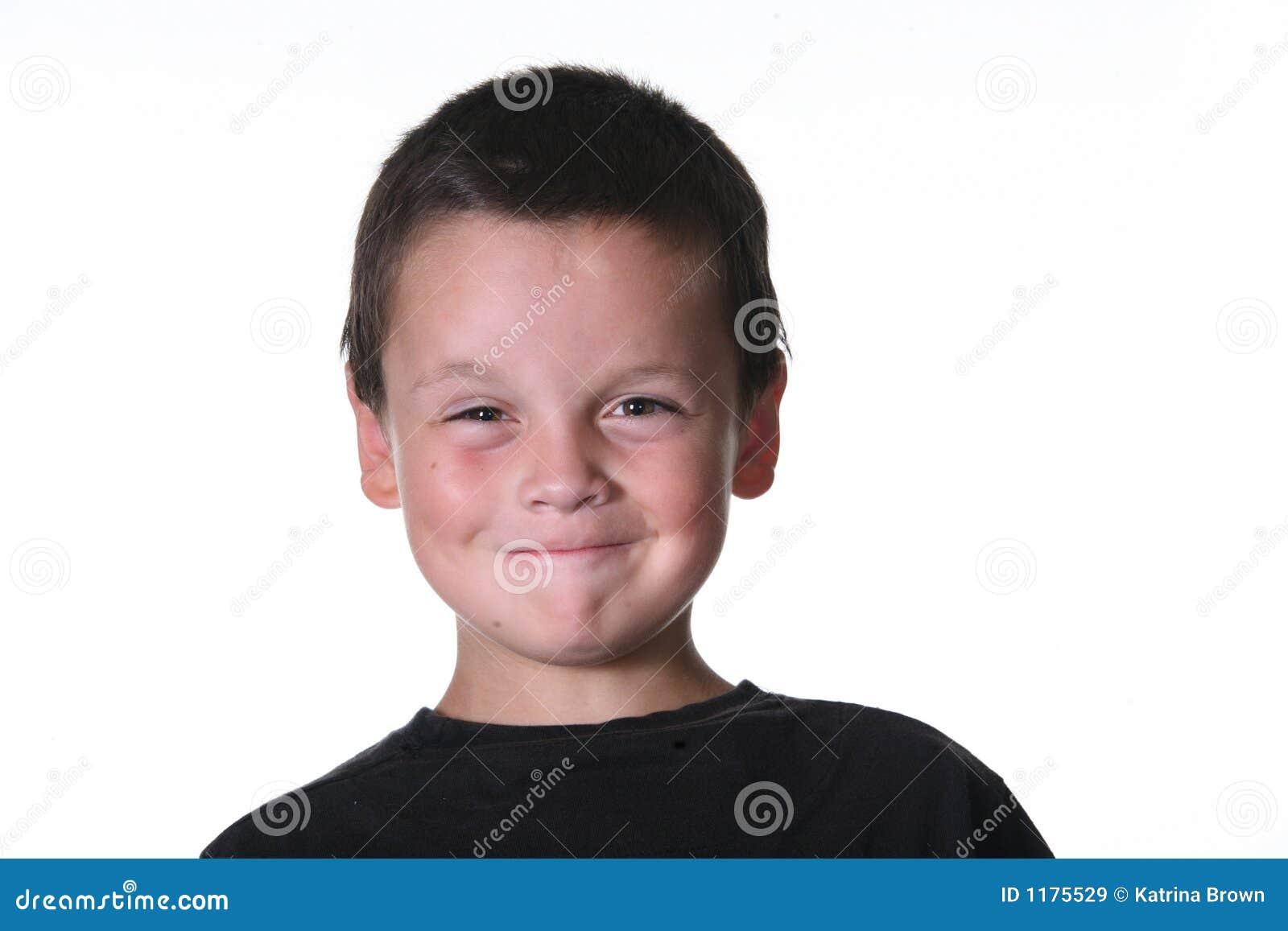 Junges Kind mit ausdrucksvollem Manierismus