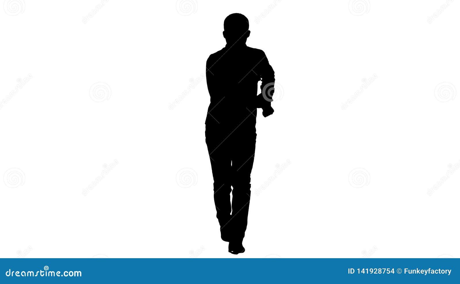 Junges verrücktes Manntanzen des Schattenbildes und wanking vorwärts