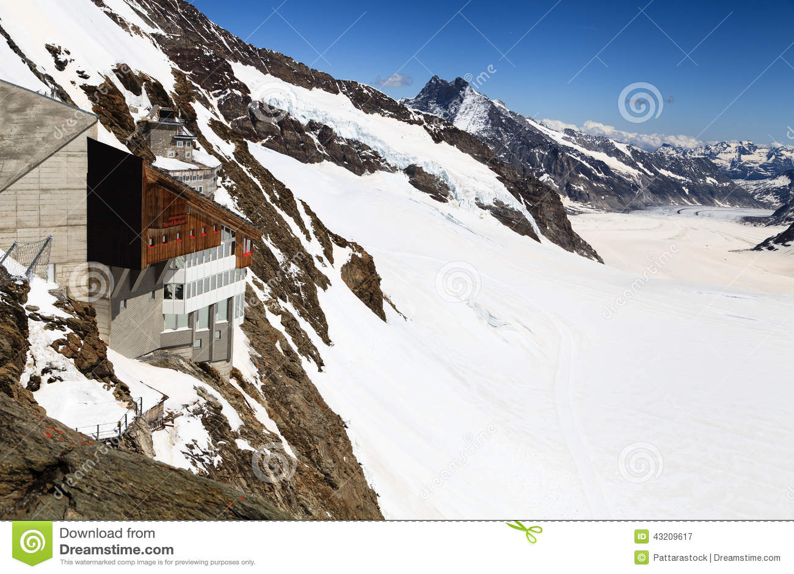 Download Jungfraujoch Schweizisk FjällängJungfraujoch Järnvägsstation Fotografering för Bildbyråer - Bild av kull, alpin: 43209617