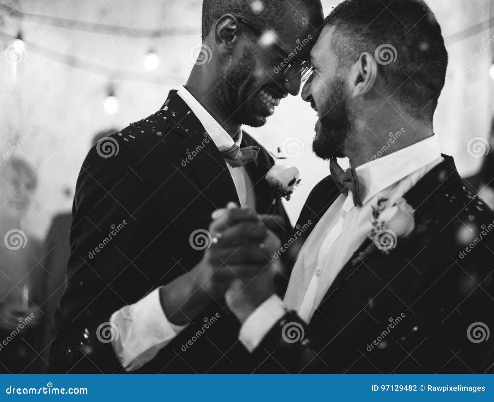 Jungvermählten-homosexuelles Paar-Tanzen auf Hochzeits-Feier