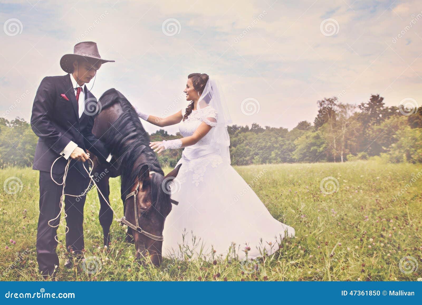 Jungvermählten und Pferd abgetönt