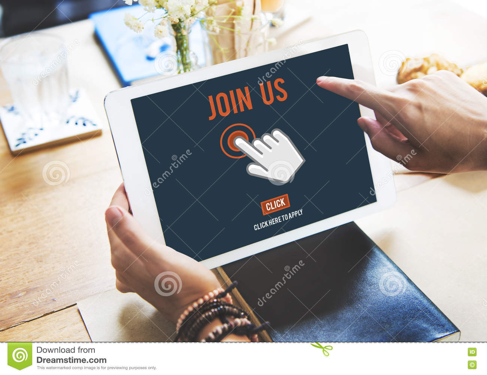 Junte-se que nos a aplicação do recrutamento segue o conceito em linha do Web site