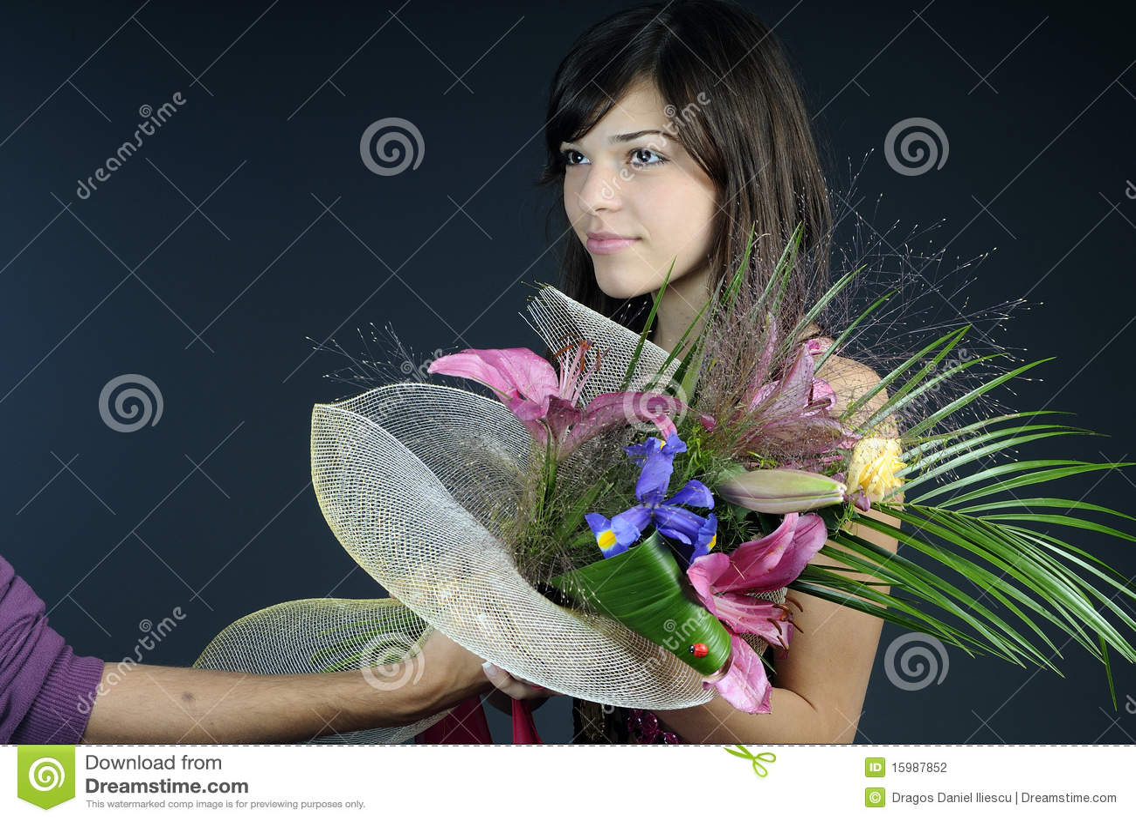 Jury offering flowers