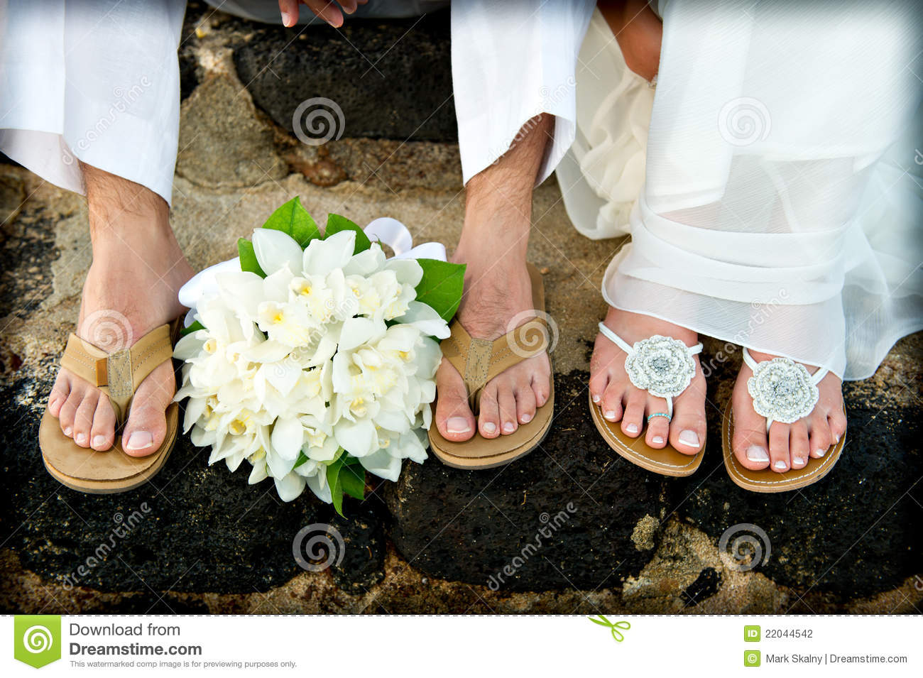 5334186639e8a Just Married. Tropical Wedding Feet. Stock Photo - Image of women ...