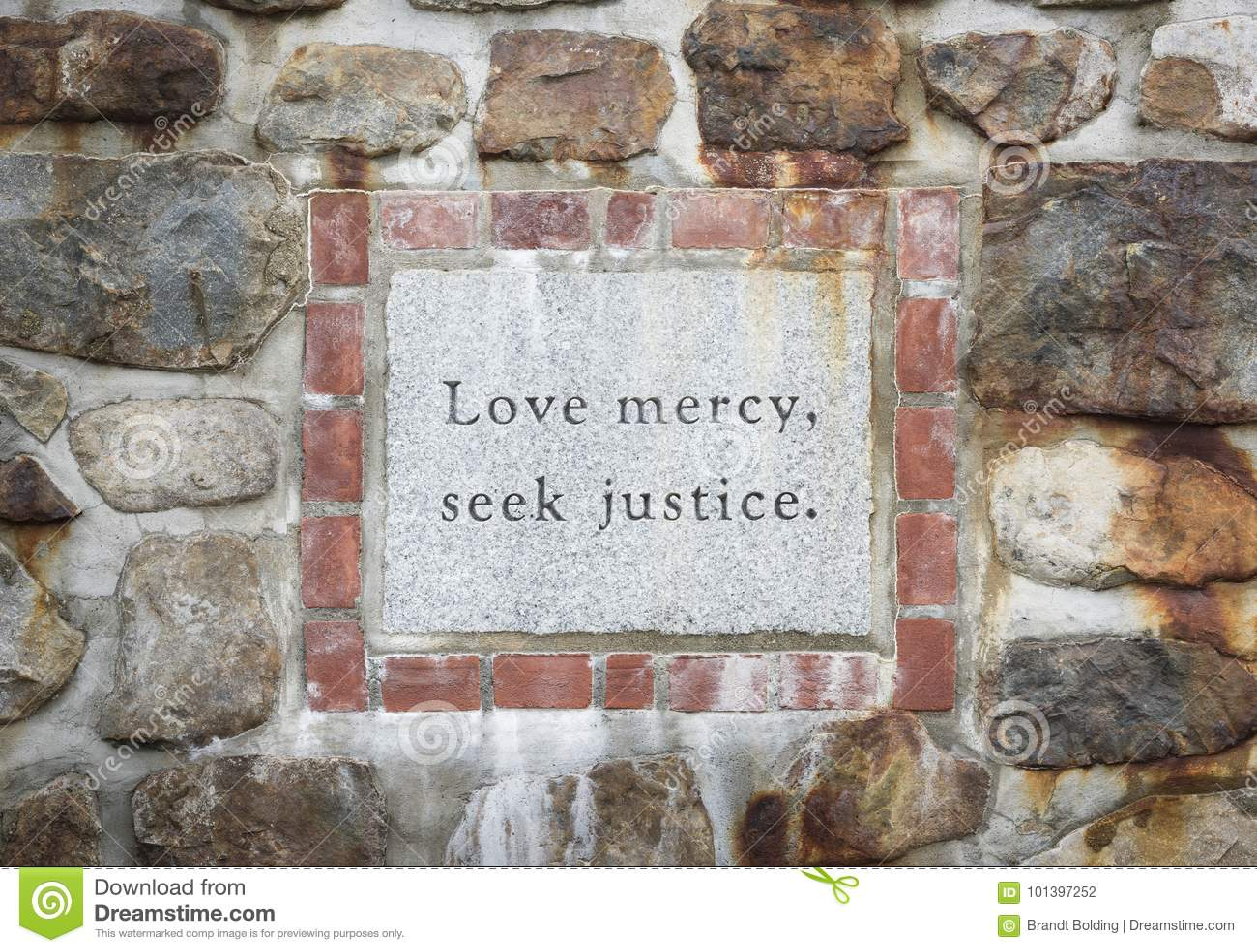 Justiça Inscription da busca da mercê do amor