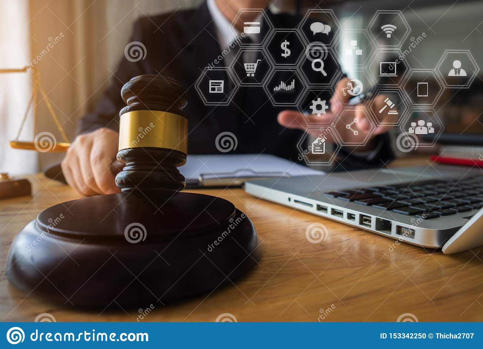 Justi?a e conceito da lei