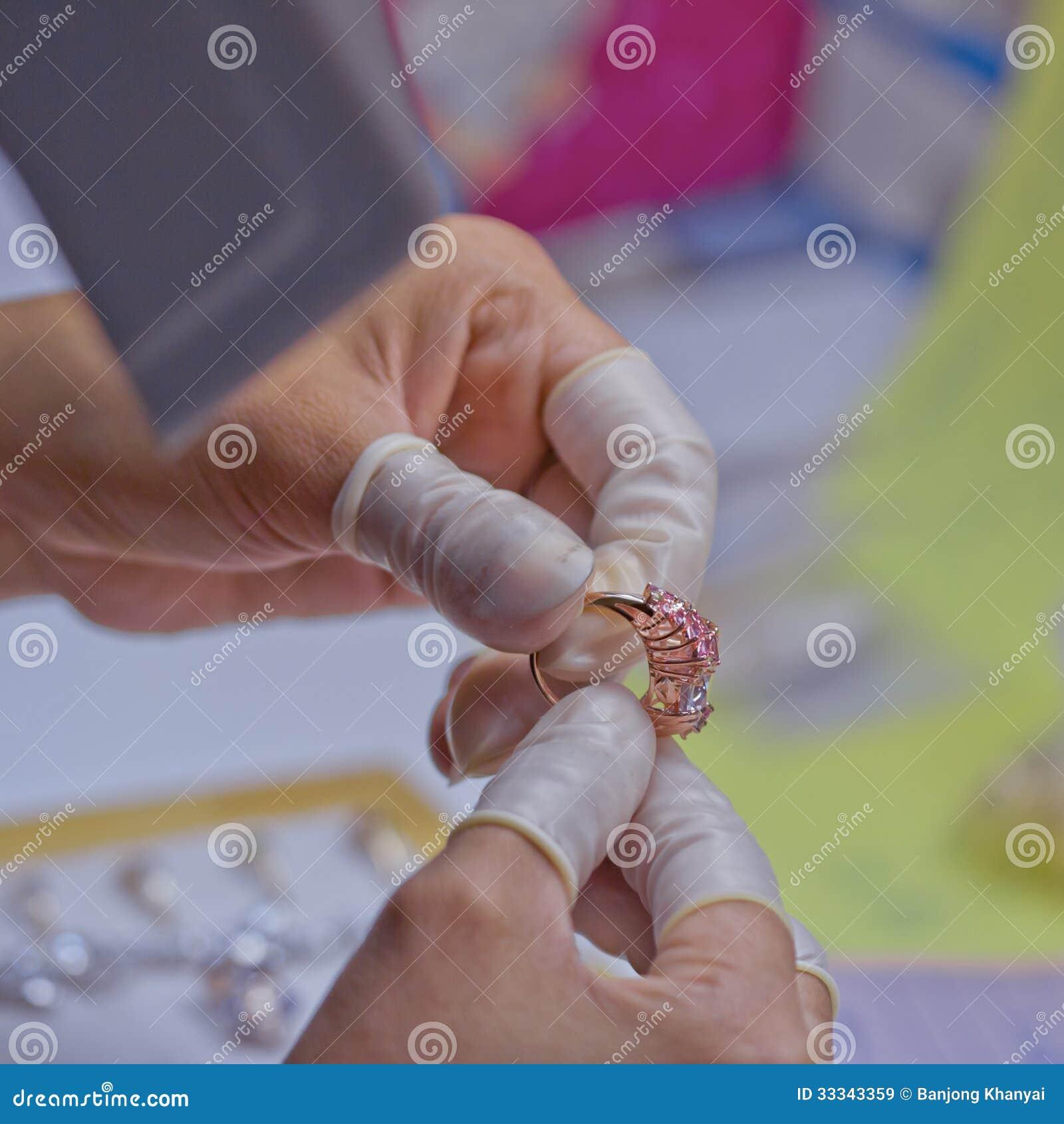 Juwelenkwaliteitscontrole