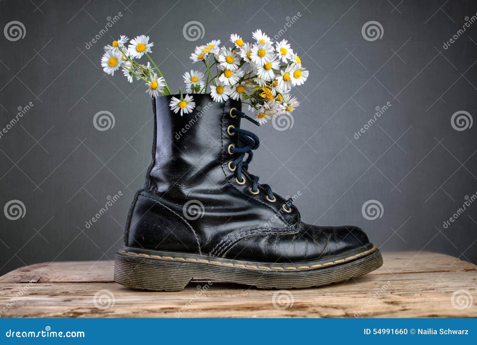 Kängor med Daisy Flowers