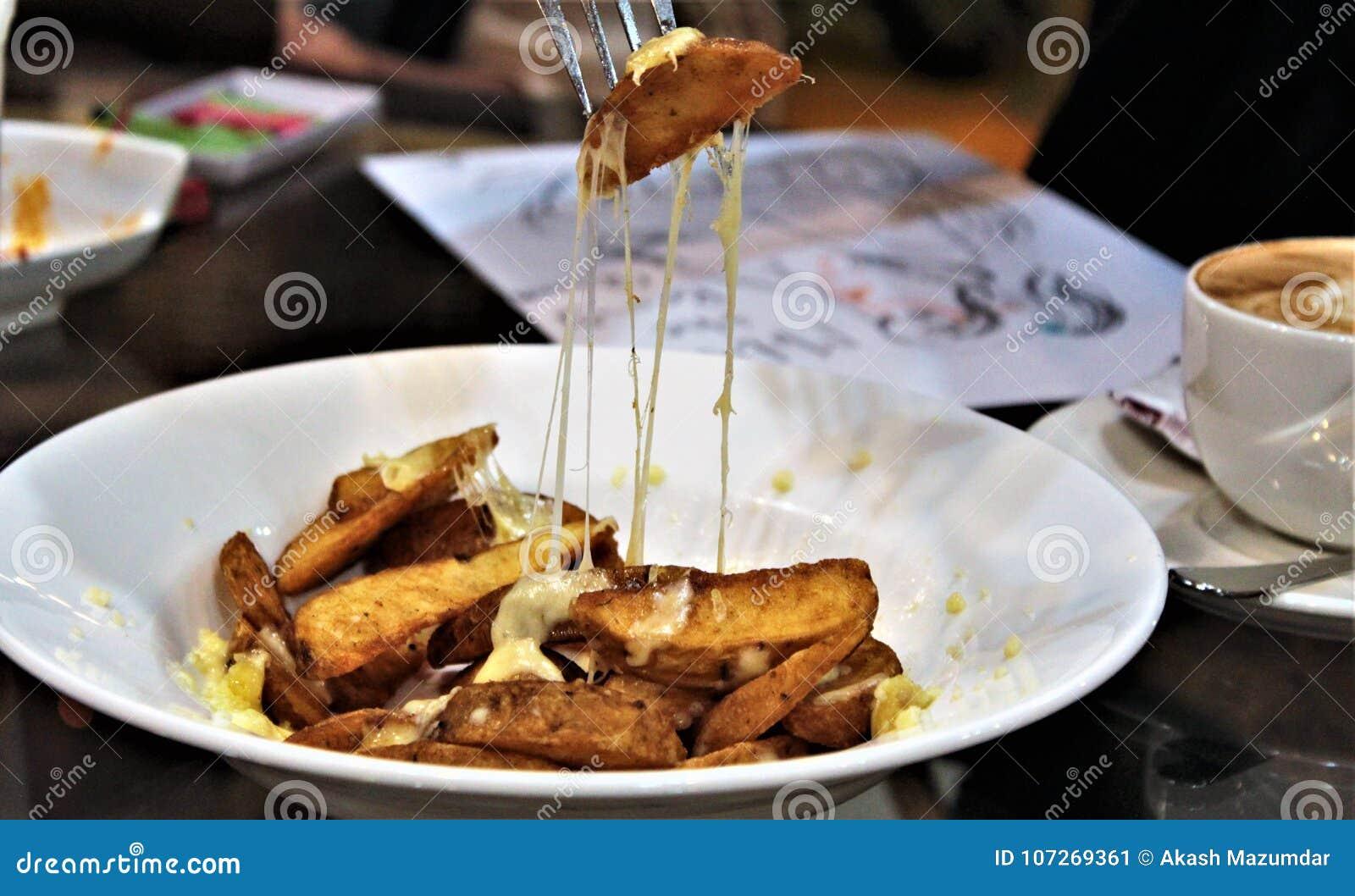 Käsige Kartoffel-Keile