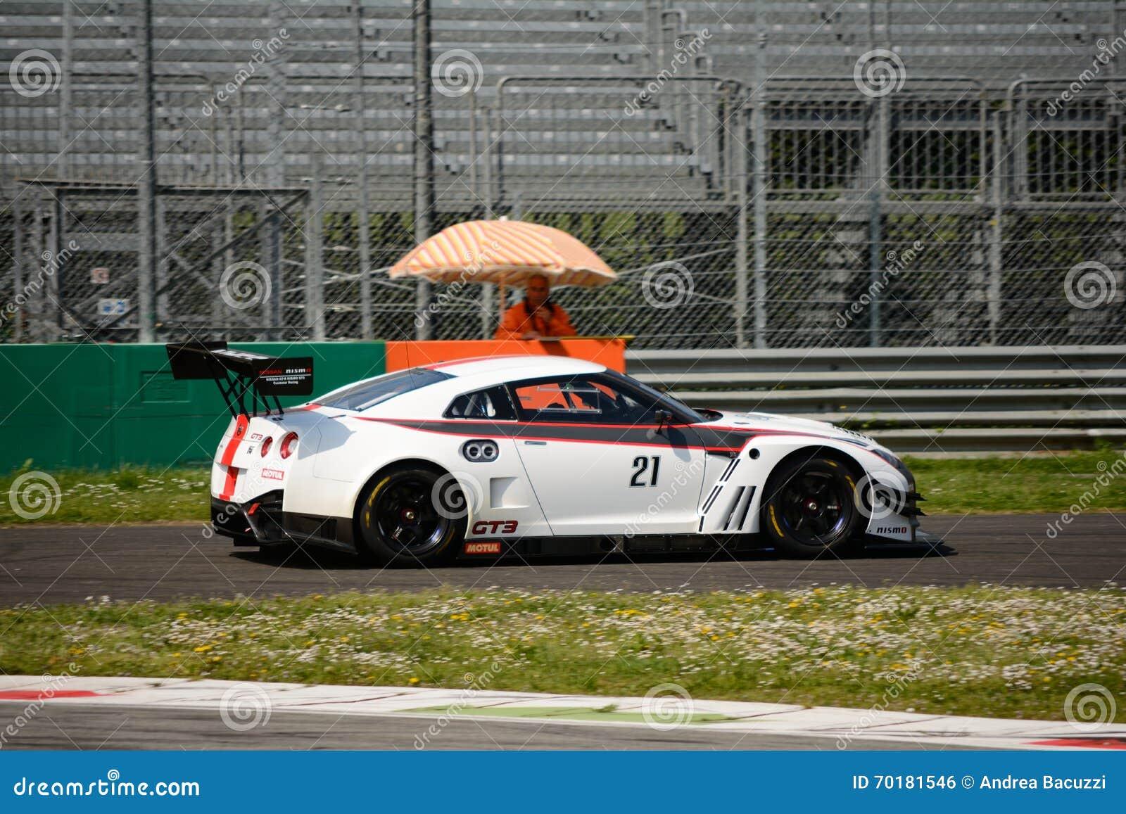 Kör teknologi Italia Nissan GT-R Nismo på Monza