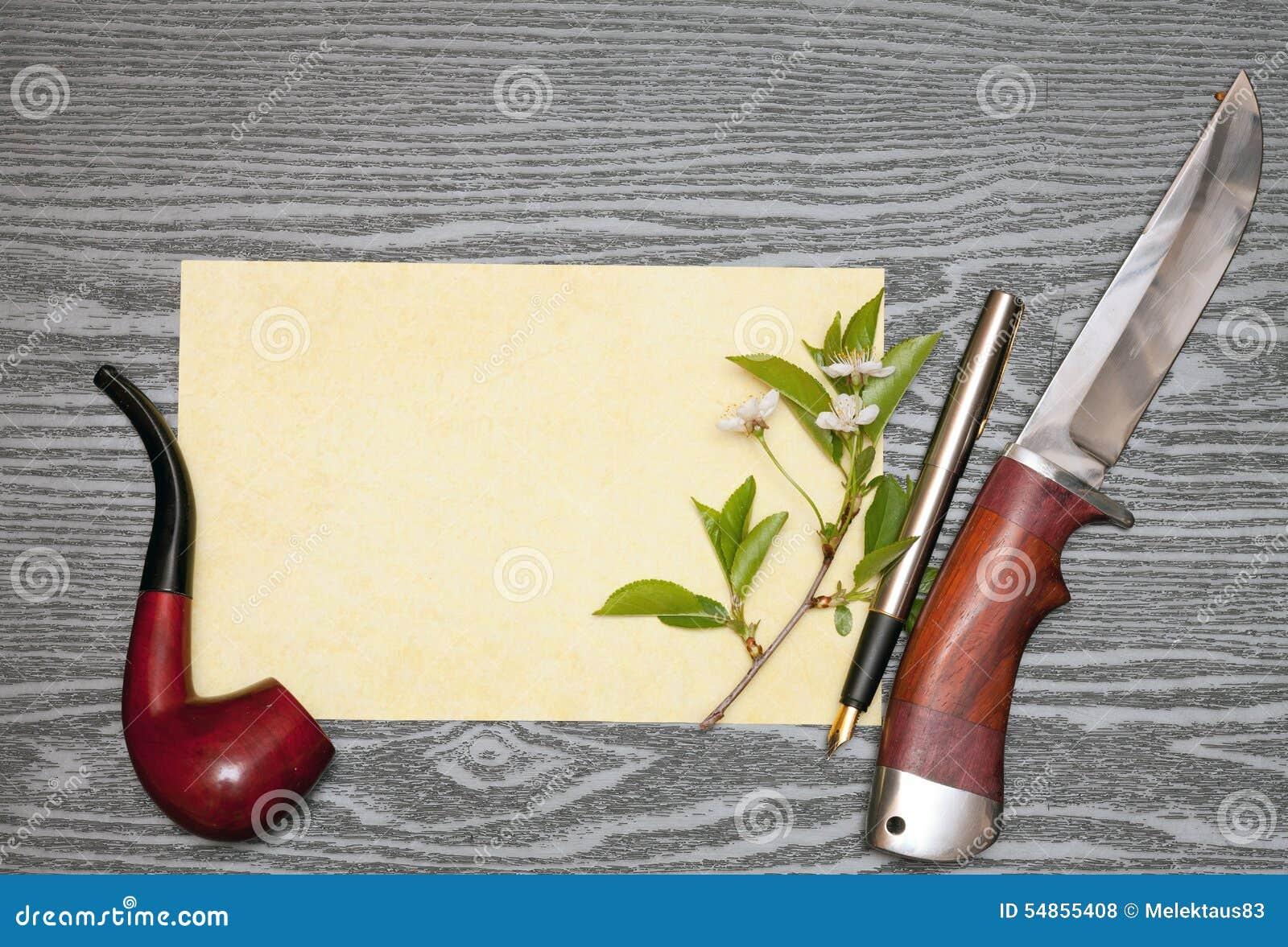 Körsbärsröda blomningar och papper