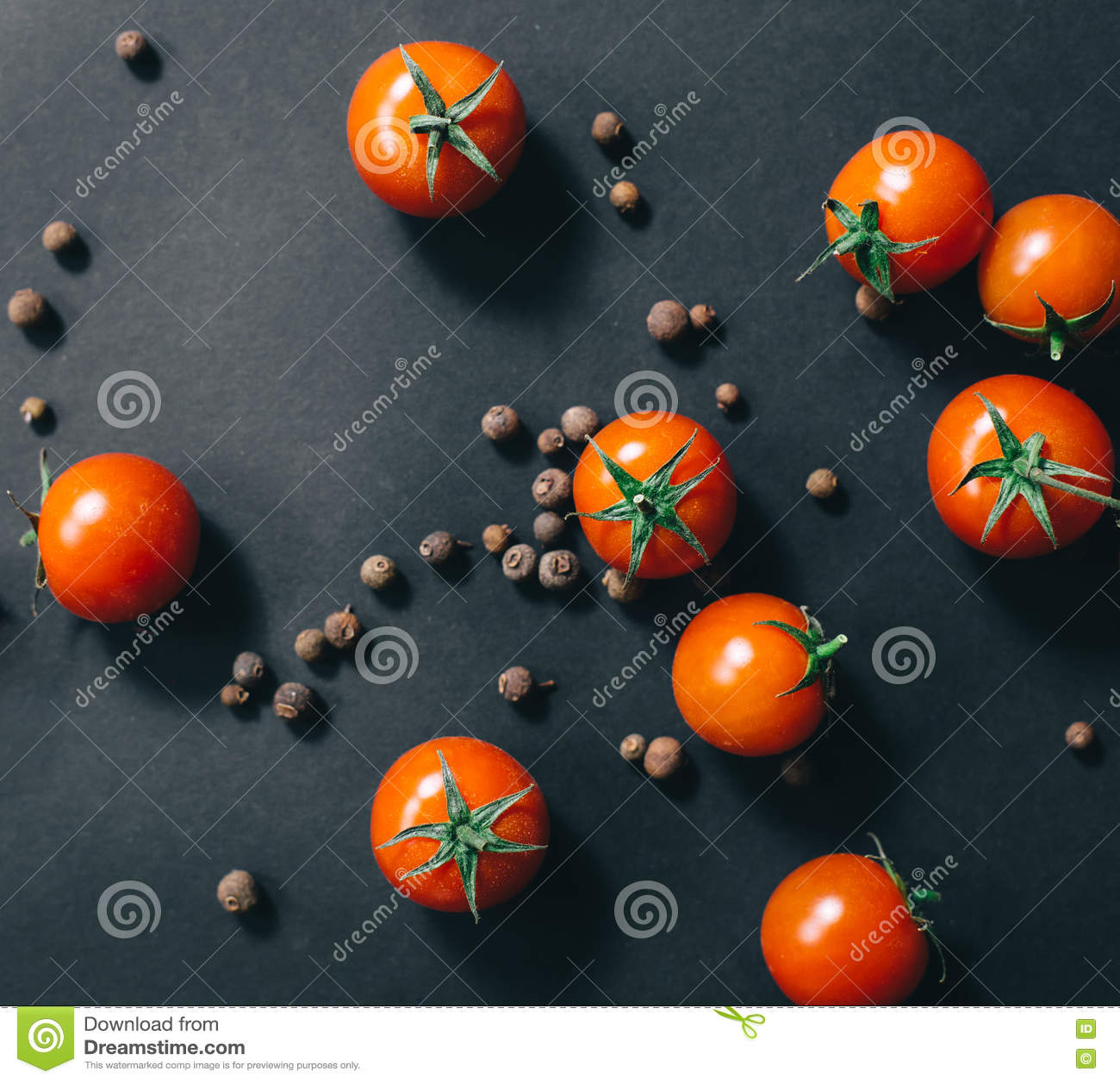 Körsbärsröda tomater