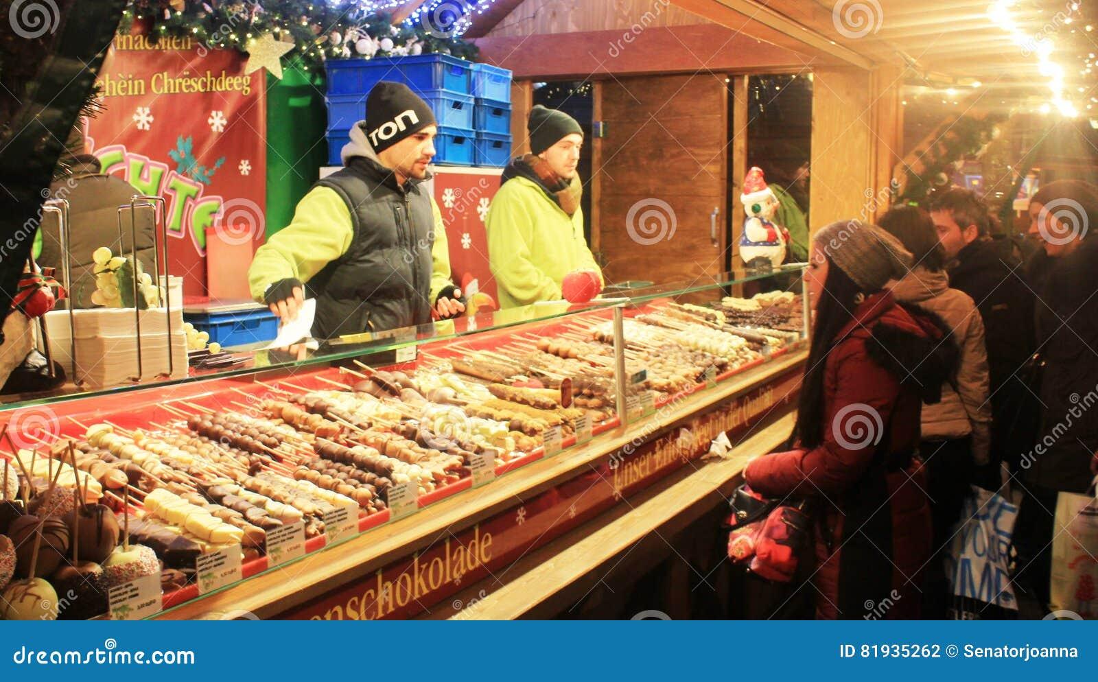 Köstliche Schokolade Am Weihnachtsmarkt In Luxemburg Redaktionelles ...
