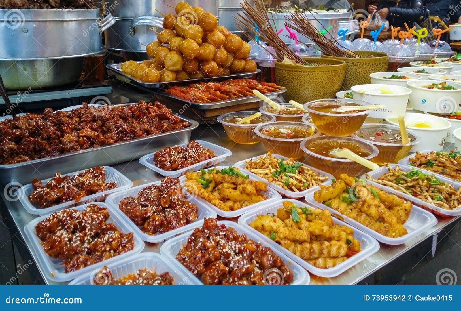 Köstliche Snäcke in Chengdu, China