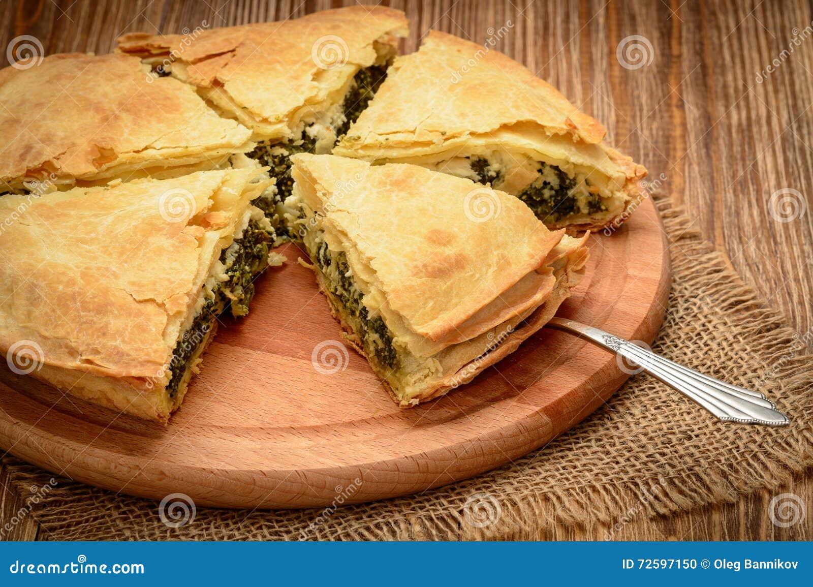 Köstliche Torte Mit Spinat Und Feta - Spanakopita, Traditionelle ...