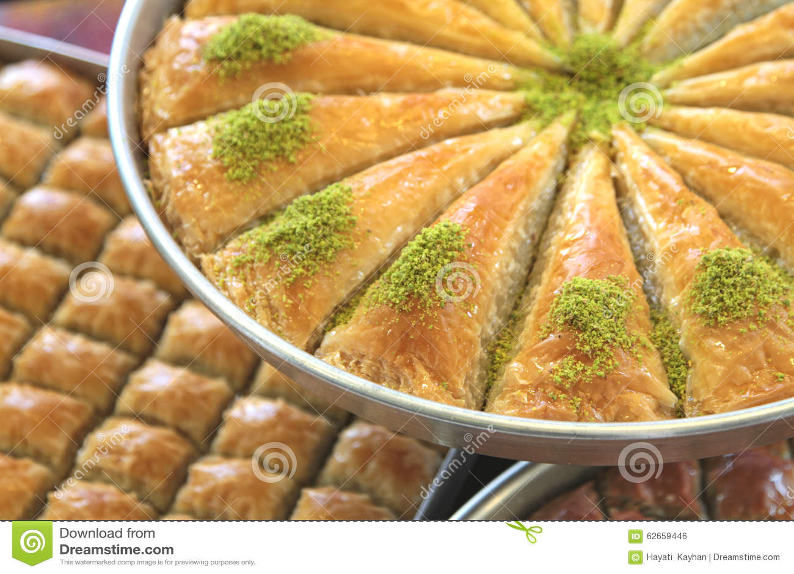 Kostlicher Turkischer Bonbon Baklava Mit Grunen Pistazien Stockfoto