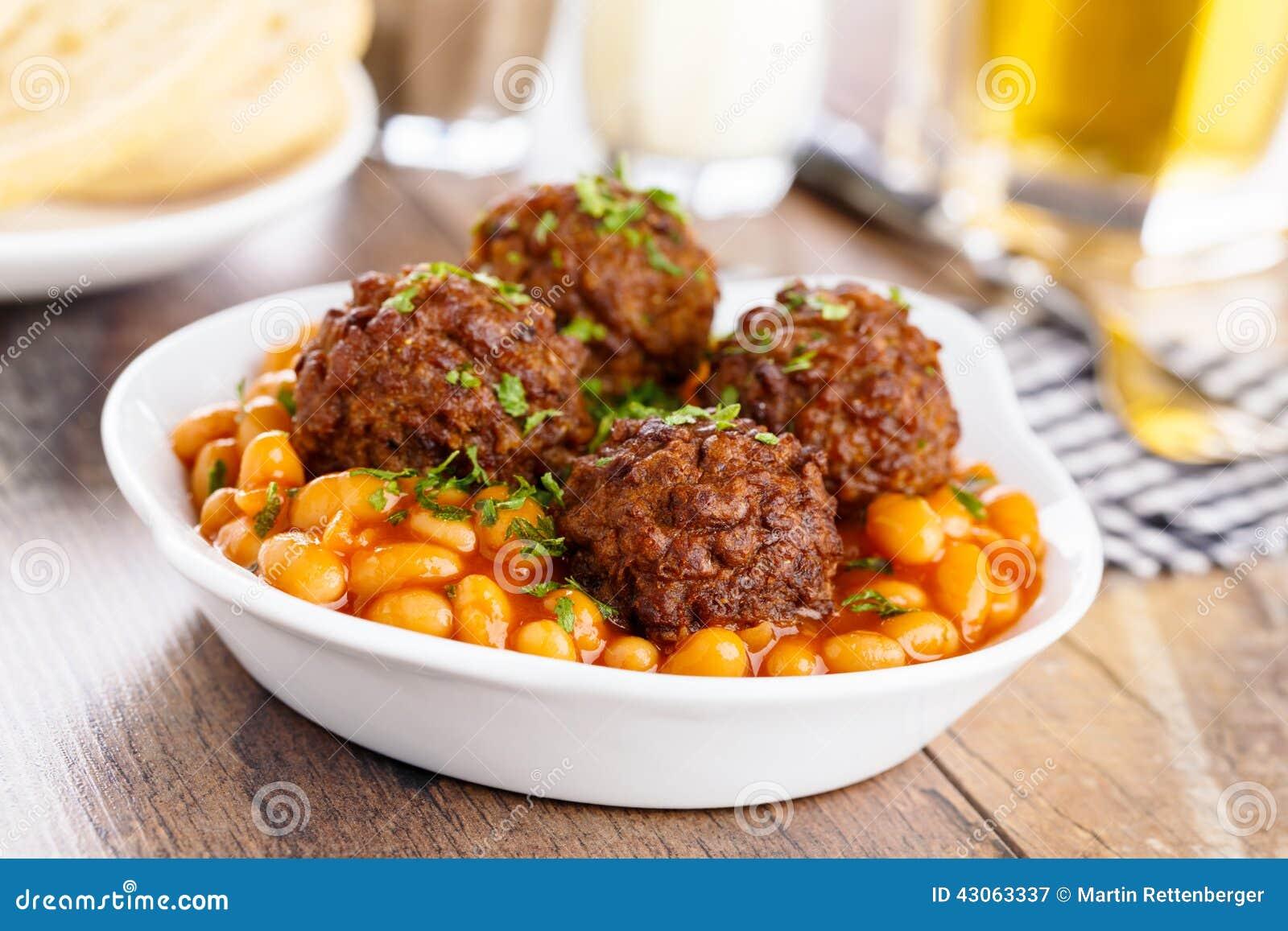 köttbullar med bönor