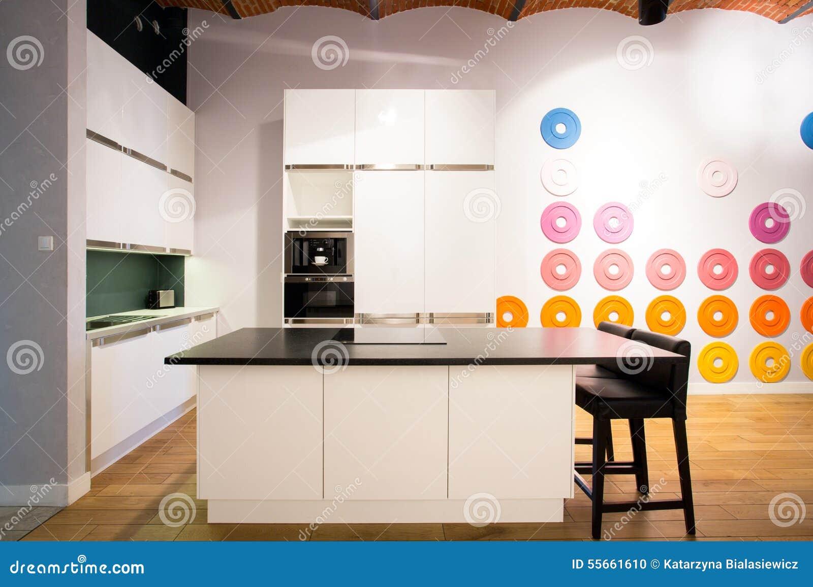 Küche mit Insel stockfoto. Bild von küche, luxus ...