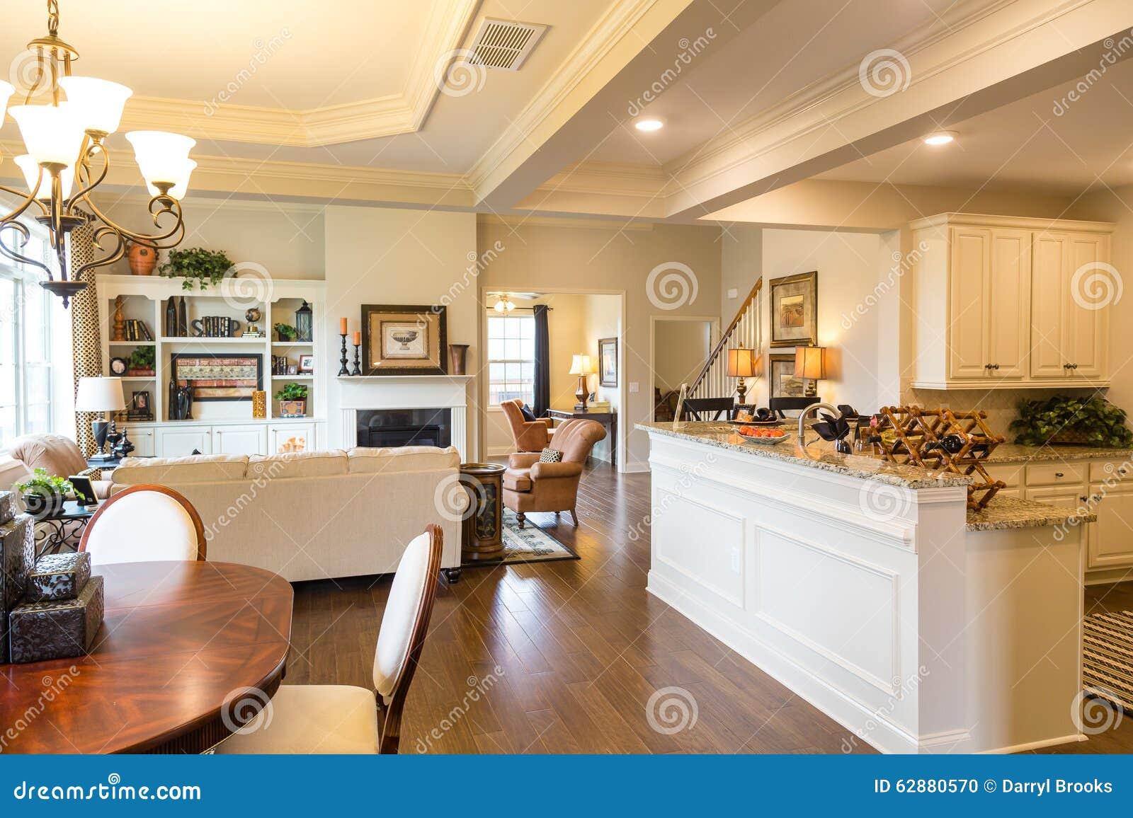 Kuchen Hohle Und Esszimmer Im Neuen Haus Stockfoto Bild Von Innen