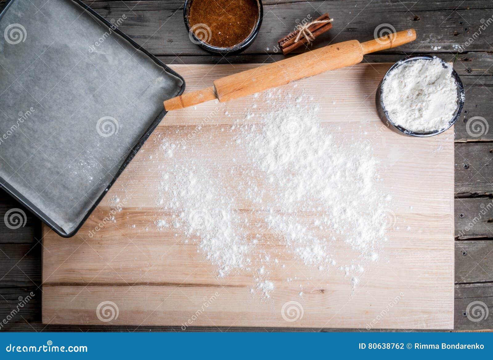 Küchentisch, zum mit dem Teig zu arbeiten