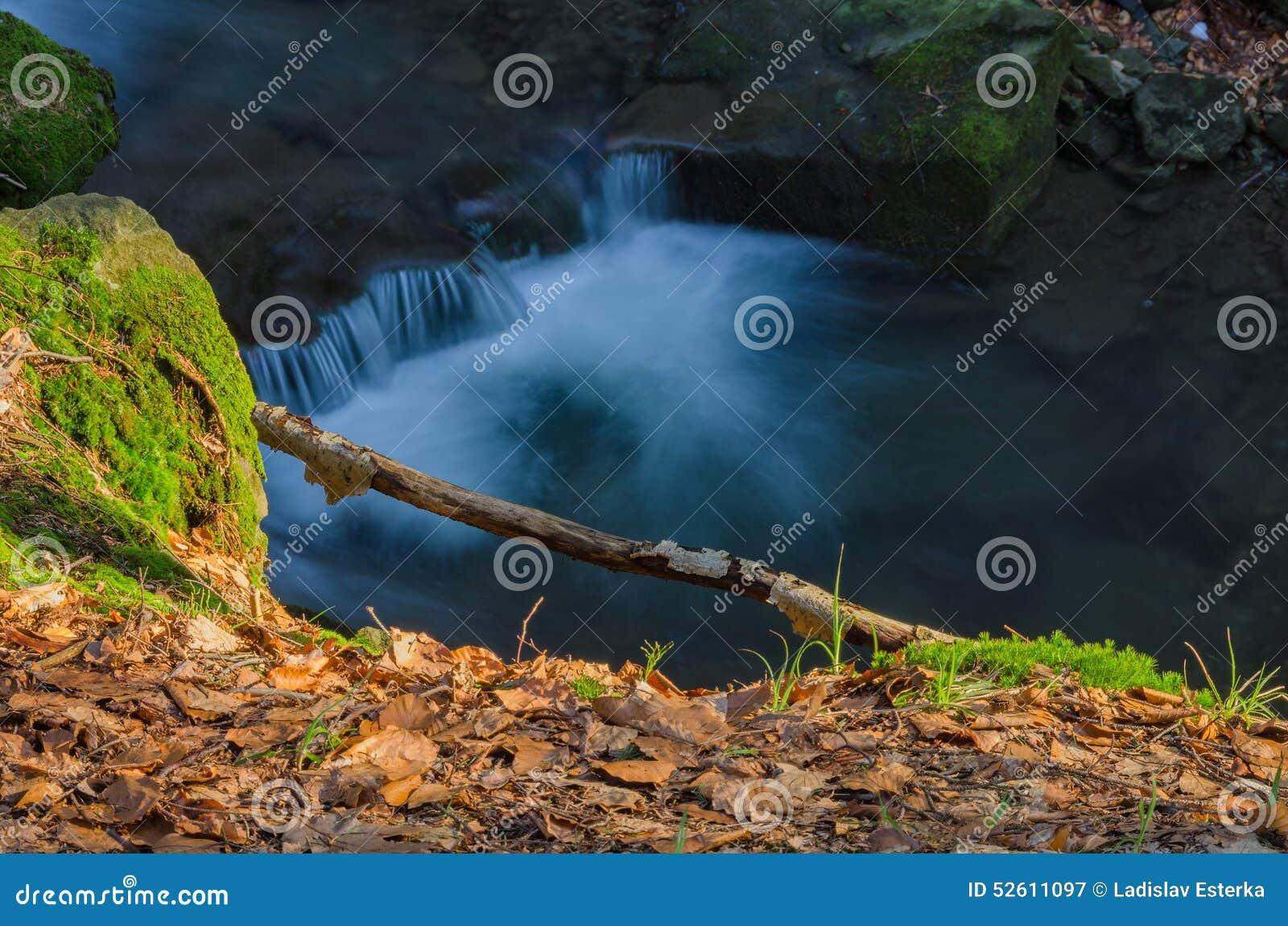 Künstlerischer Wasserfall