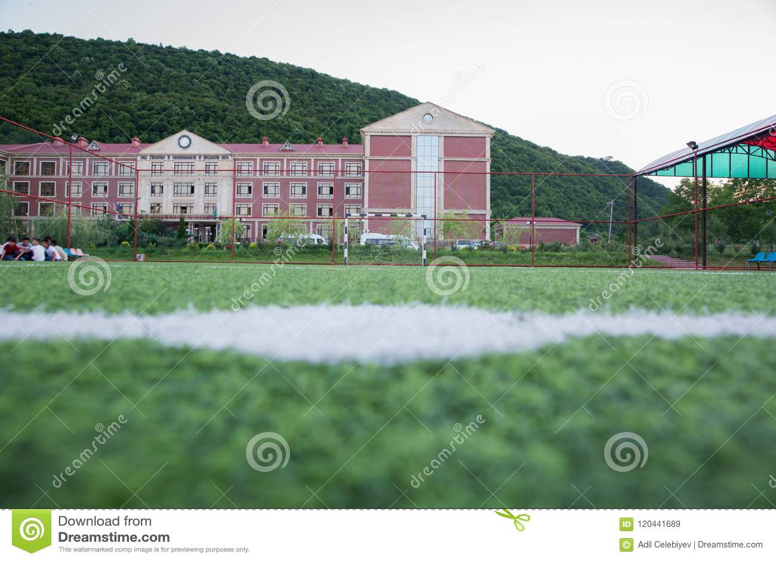 Künstliches Gras Mini Football Goal On Ans Innerhalb des Innenfußballplatzes