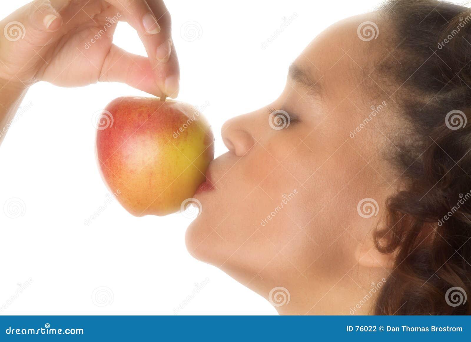 Küssen des DA-Apfels