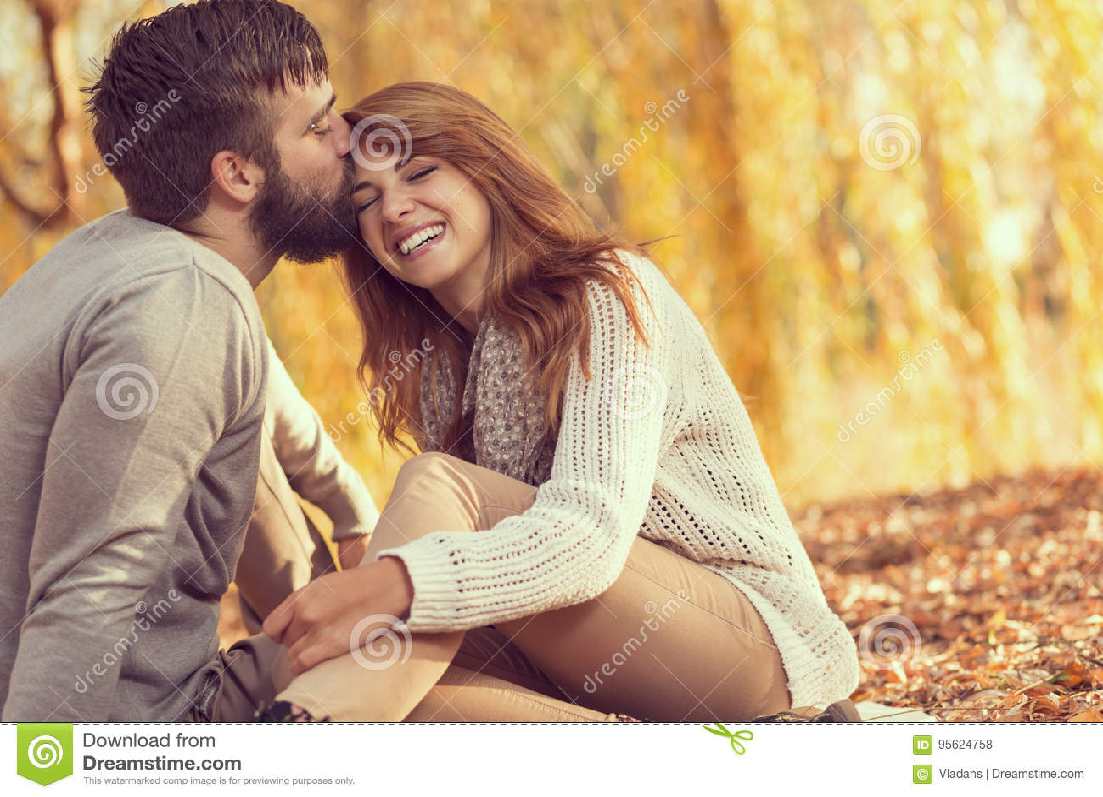 Ein Mann ohne Beziehungserfahrung datiert