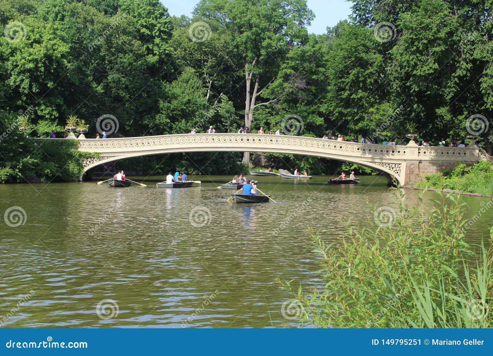 Kłania się most romantyczny most w central park Nowy Jork