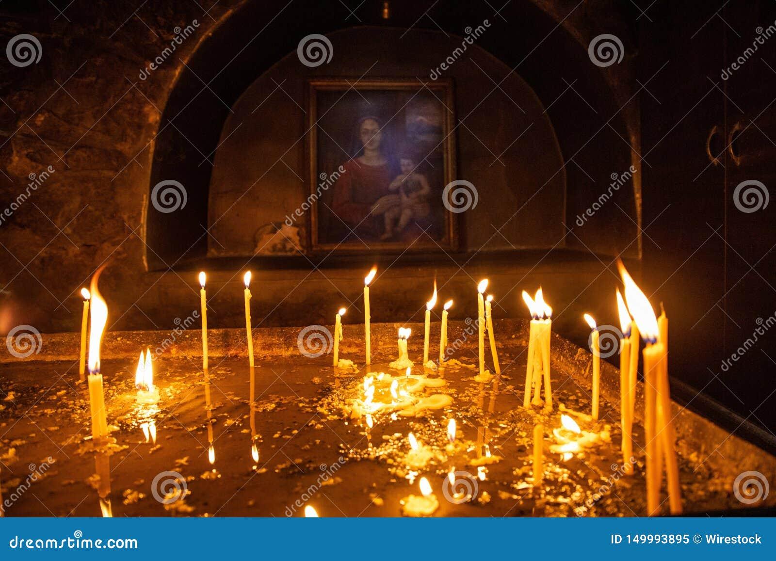 Kaarsen in een Armeense Christelijke kerk