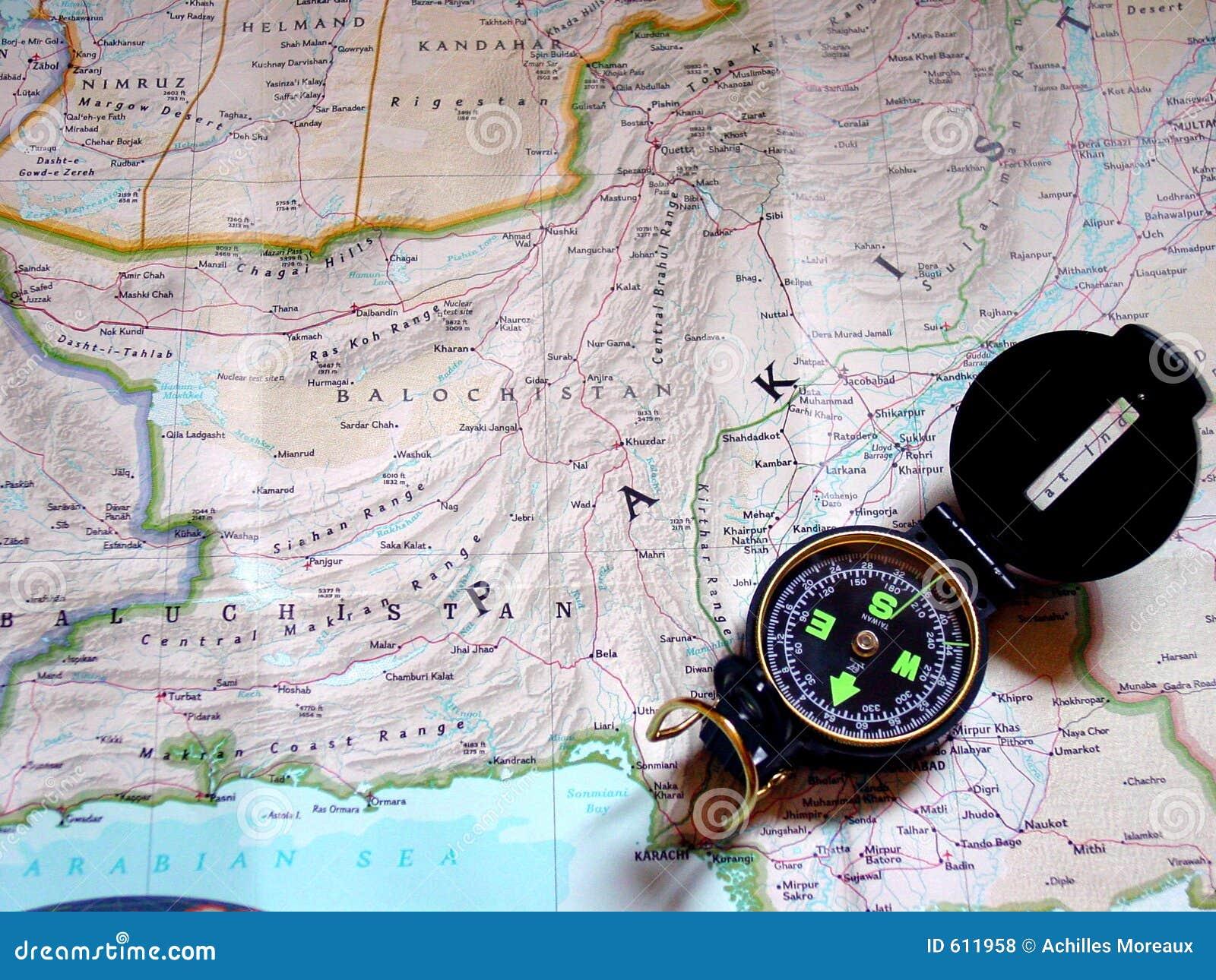 Kaart en kompas - kleur
