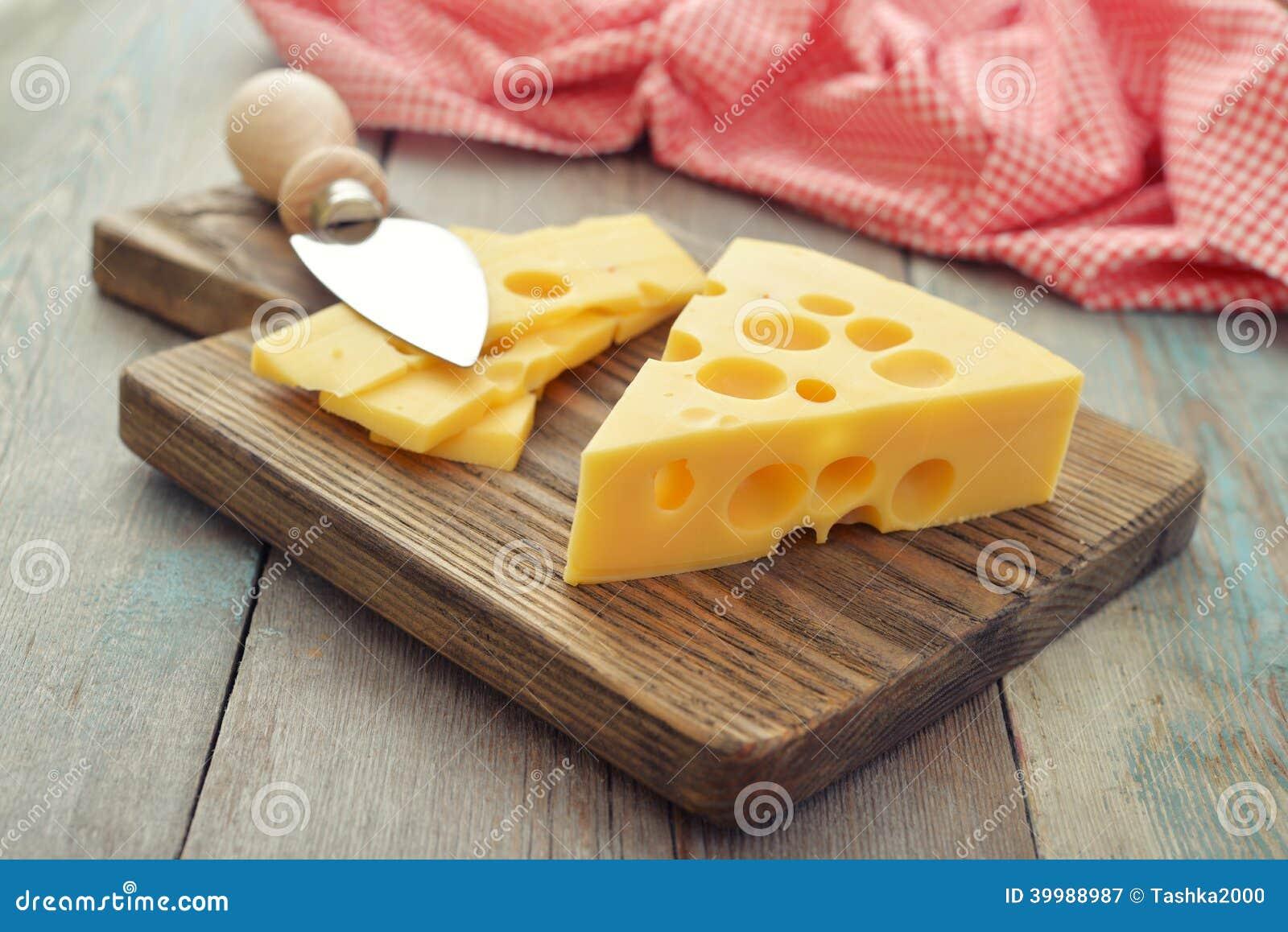 Kaas met grote gaten