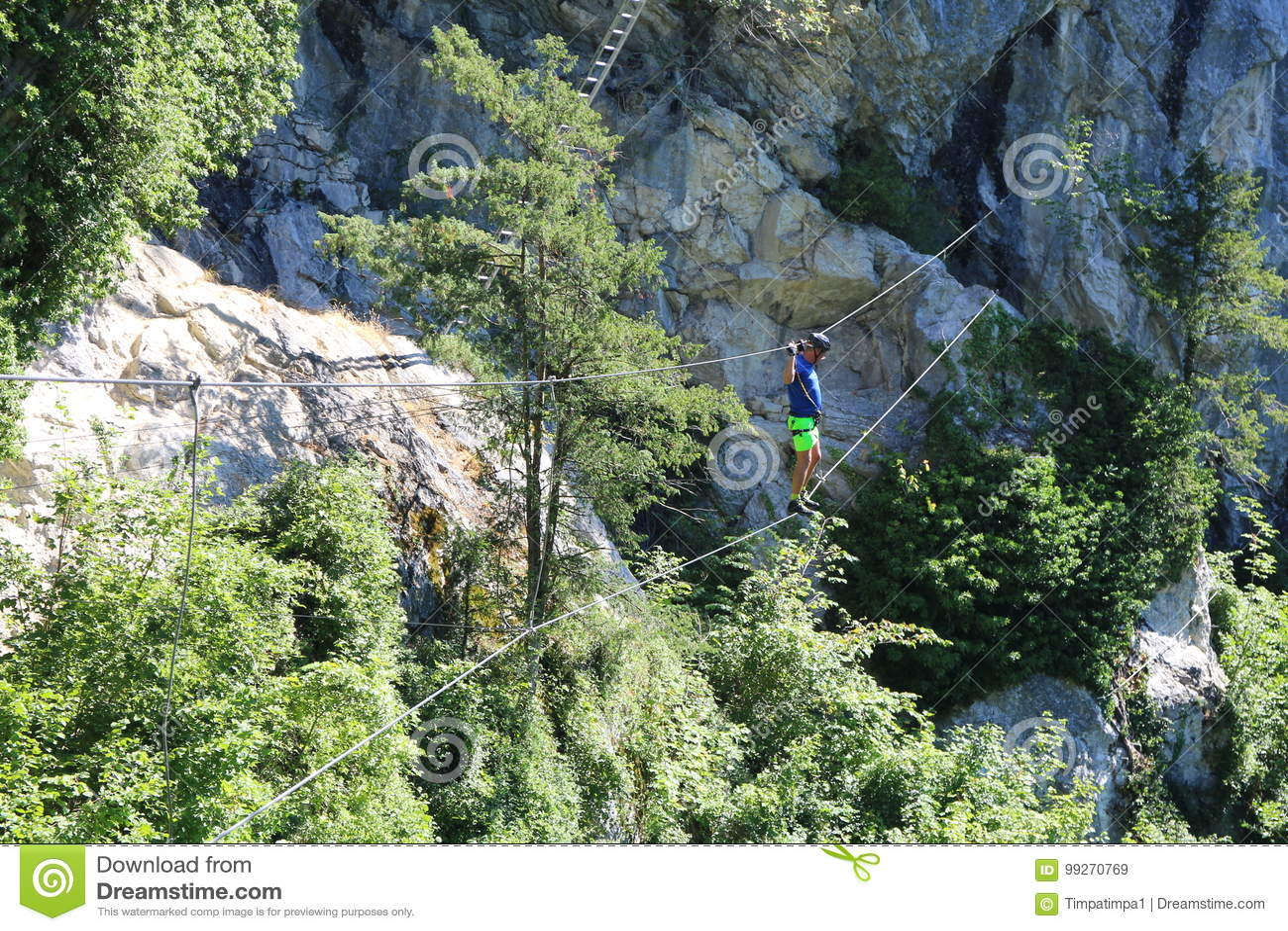 Klettersteig Ferrata : Kabelbrücke und leiter herein über ferrata trattenbacher