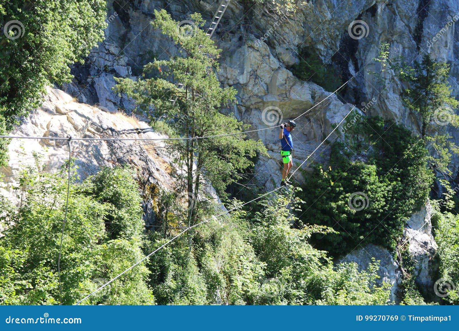 Klettersteig Oostenrijk : Kabelbrug en ladder binnen via ferrata trattenbacher klettersteig