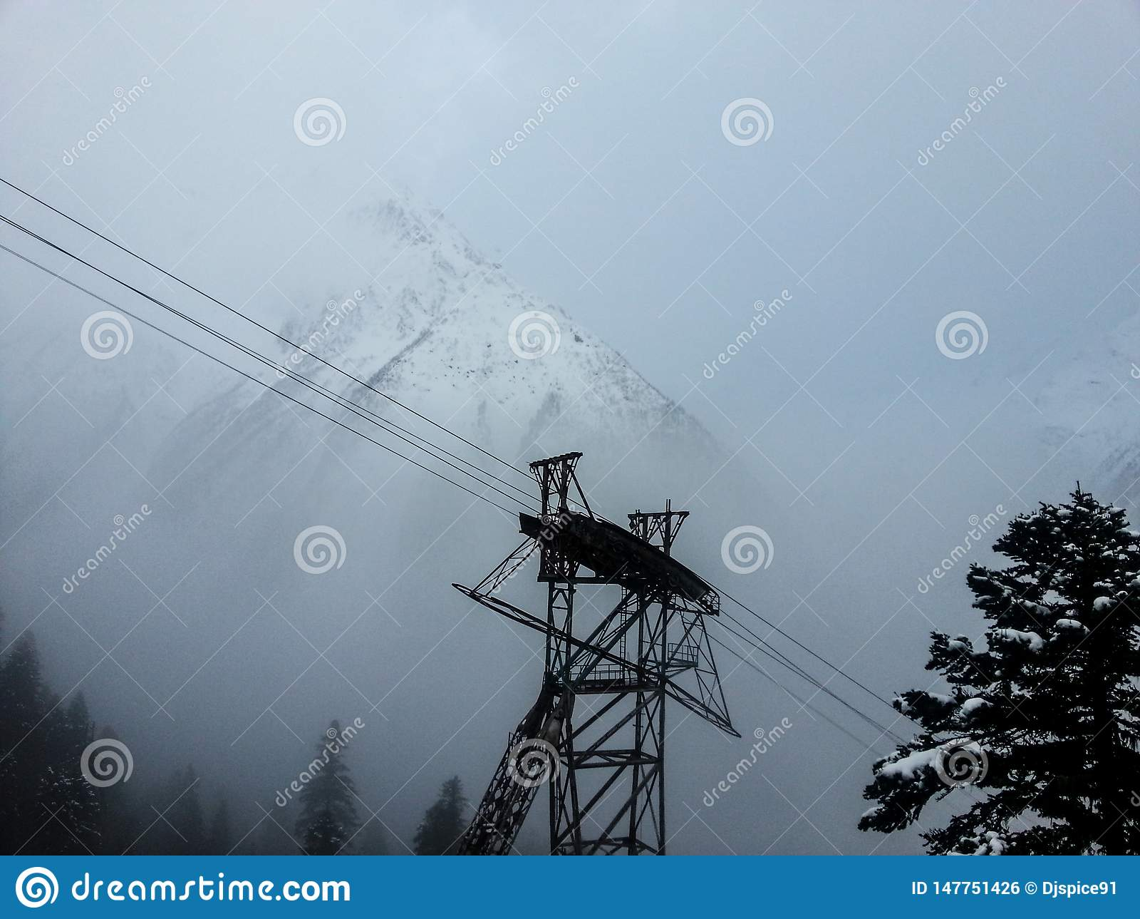 Kabelwagen in de skitoevlucht