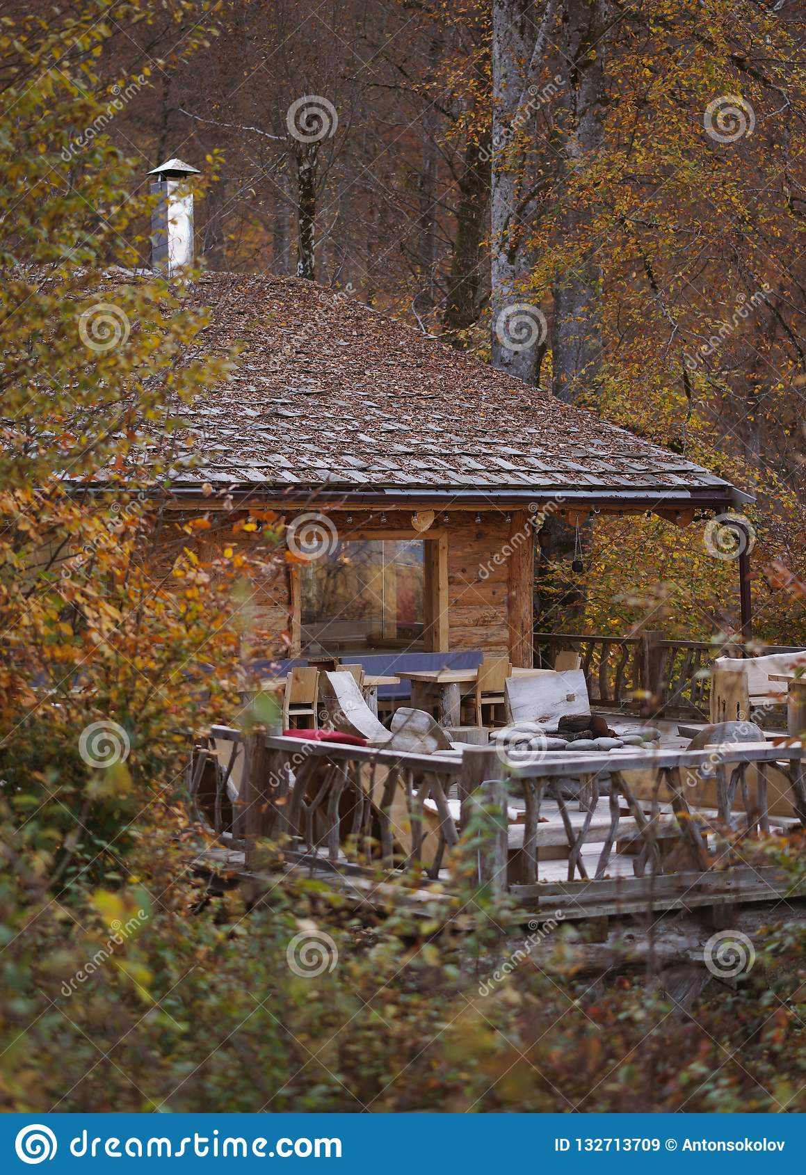 Kabine im Holz